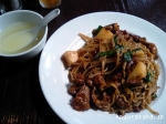 【胡同四合坊】牛肉と舞茸のオイスターソース焼そば